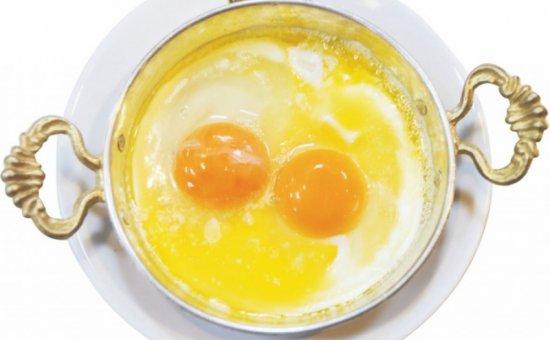 Sahanda yumurta